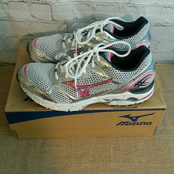 mizuno womens volleyball shoes size 8 x 3 inch quilt guide